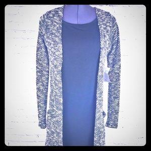 🧣BNWT Blck & White knit mid calf cardigan pockets